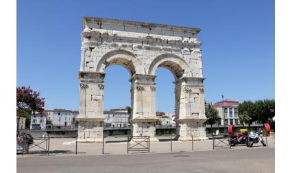 Арката на Германикус, Франция