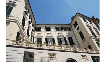 Белият дворец в Генуа, Италия