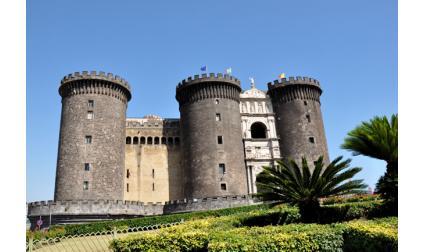 Новия замък - Неапол, Италия