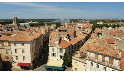 Изглед от град Арл, Франция