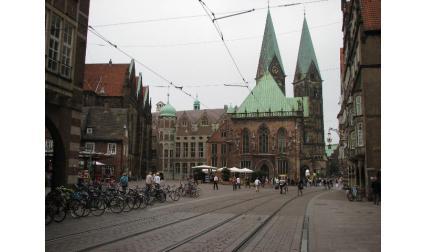 Бремен - катедралата и площада