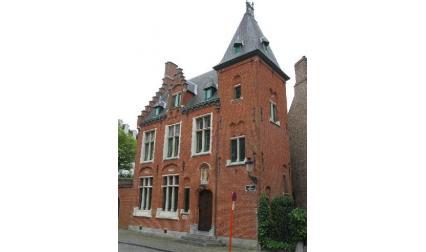 Брюж - старинна къща
