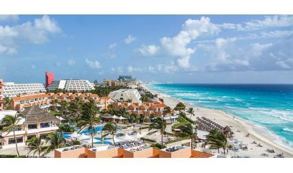 Изглед от курорта Канкун, Мексико
