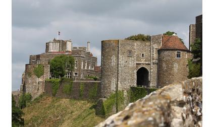 Замък Дувър, Англия