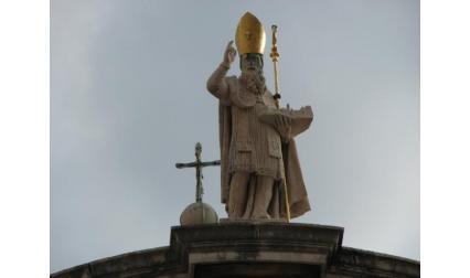 Дубровник - статуя на Св. Влах