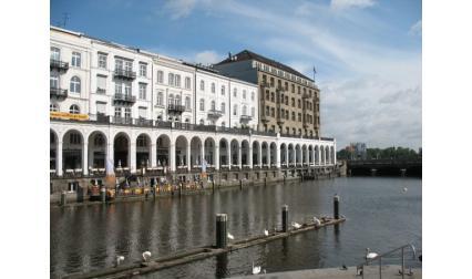 Хамбург - сгради на реката