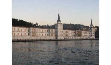 Сгради на брега на Босфора