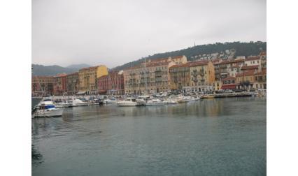 Ница - изглед от пристанището