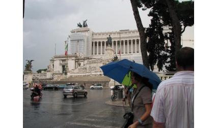 Площад Венеция - дъжд