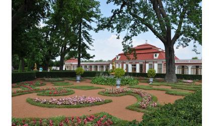 Летният дворец и градина в Петербург