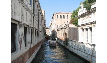Венеция - малък канал