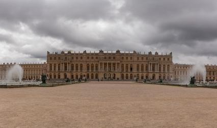 Изглед към дворецът Версай