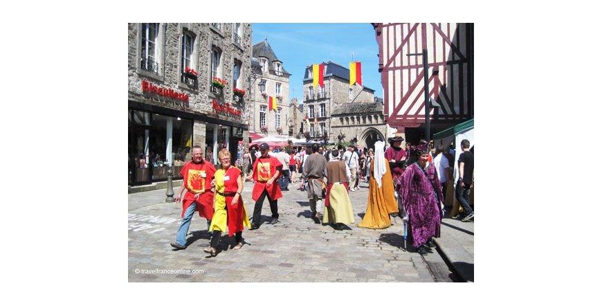 Средновековен фестивал в Динан