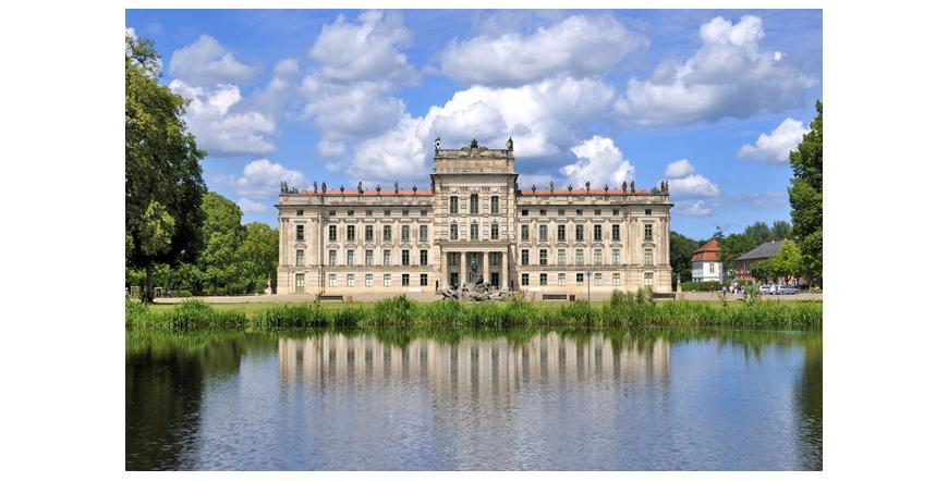 Замъкът Лудвигслуст