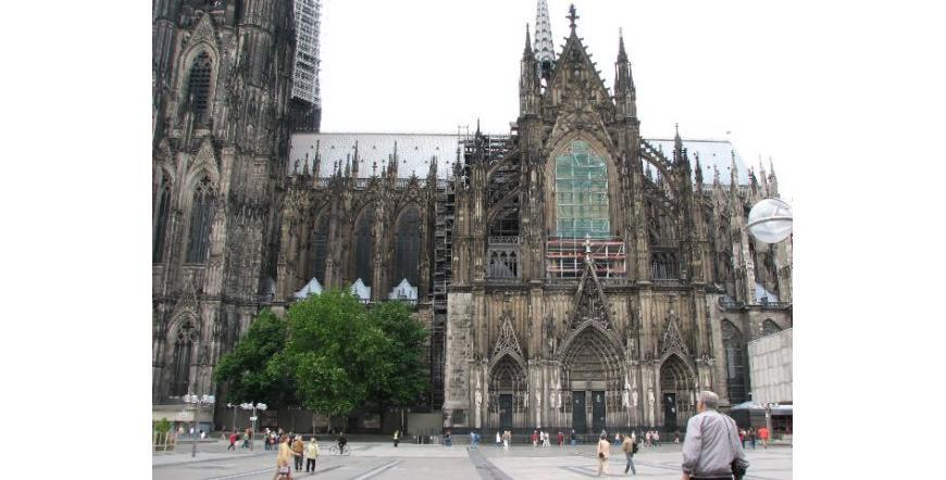 Изглед към Кьолнската катедрала