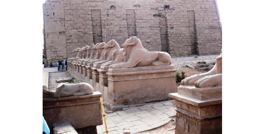 Храмът Луксор