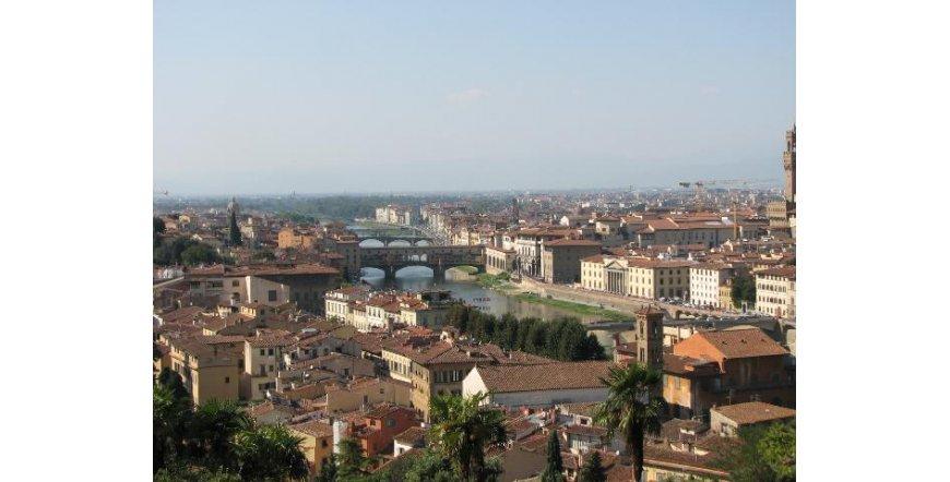 Флоренция - изглед към река Арно