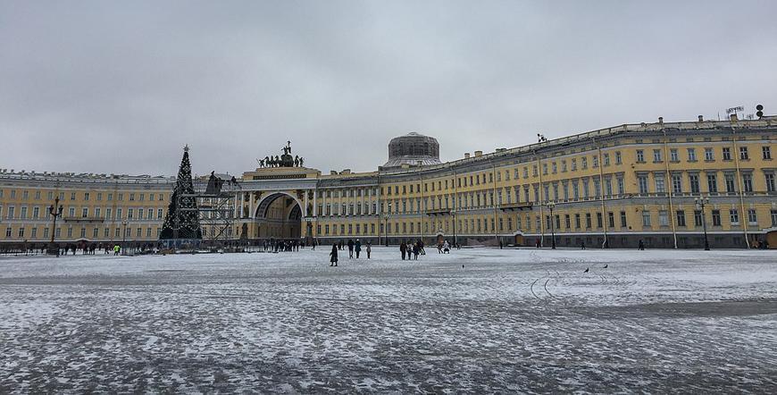 Дворцов площад-Санкт Петербург